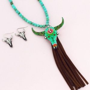 Jewelry - Floral Turquoise steer head Fringe Necklace Boho